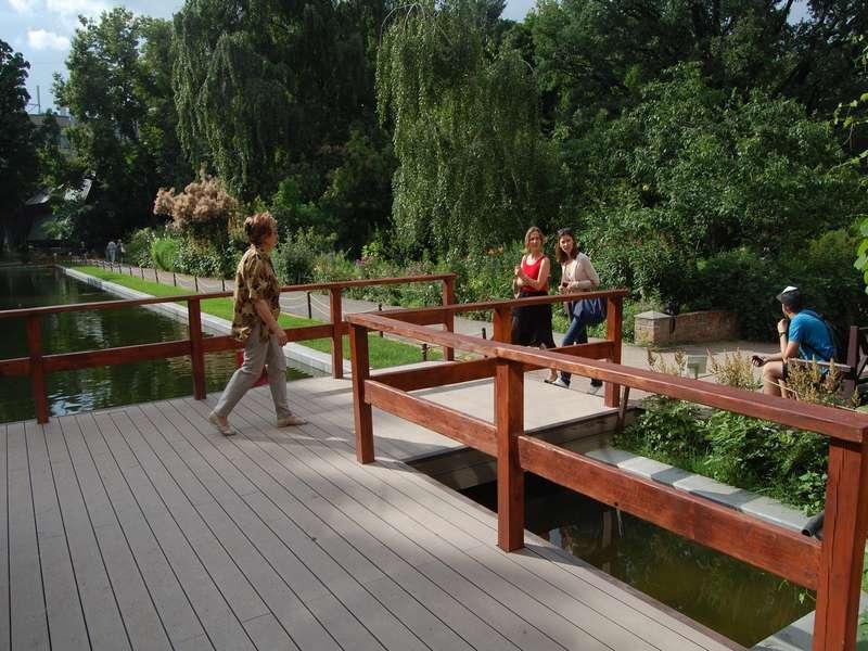 Twinson. г. Москва. Ботанический сад МГУ